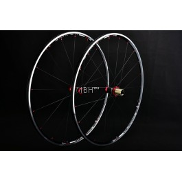 Upvine 700C Road Bike 1390G Wheels Swift 0801 alloy SAPIM RB wheelset